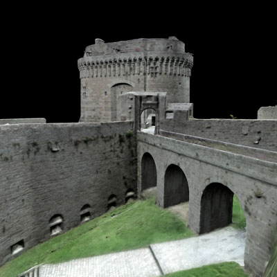 Le chateau de Dinan 1600 Photos, 10 jours de calcul, 7 millions de polygones, texture de 16000 pixels. Réalisé avec Pentax K3 (24 Mo) monté sur perche de 12 mètres